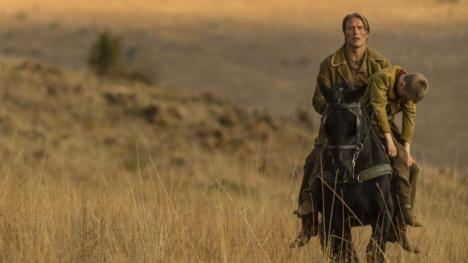 the-salvation-mads-mikkelsen-in-una-suggestiva-scena-del-film-western-372748_jpg_1400x0_crop_upscale_q85-kQr-U1030698018454AJE-700x394@LaStampa.it